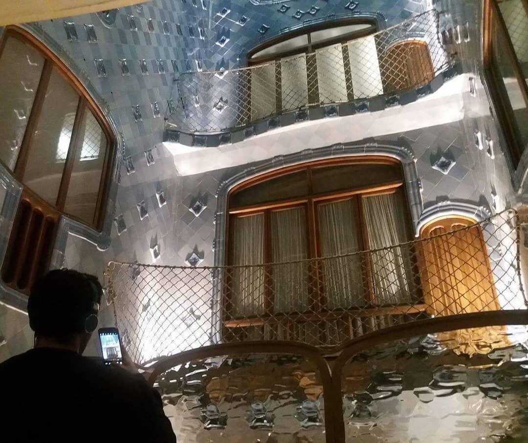 Gaudijeva arhitektura - Page 4 41500913_331752417381579_5727152876476592290_n